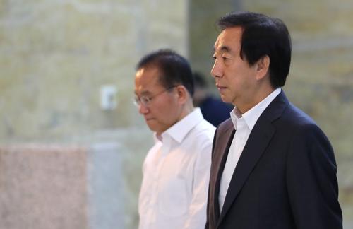 자유한국당, 중앙당 해체 등 수습 부심...민주당 8.25 전당대회 확정