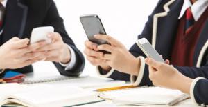청소년 15% 인터넷 스마트폰 '과의존'...초등생.여학생 위험군 증가