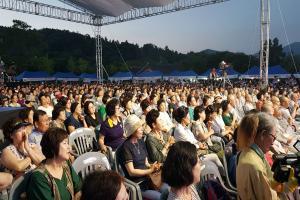 [뉴스인사이트] 연꽃축제부터 특별 템플스테이까지.. 불교계 여름 축제 한창