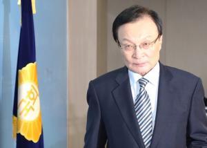 민주당 8명 당권레이스 돌입...'연대, 협치' 리더십 요구