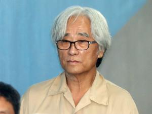 '극단 단원 성추행 혐의' 이윤택 오늘 선고...'미투' 첫 실형 사례 되나